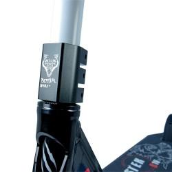BOOSTER B16 Pro Scooter Manillar blanco y tabla negra de Bestial Wolf